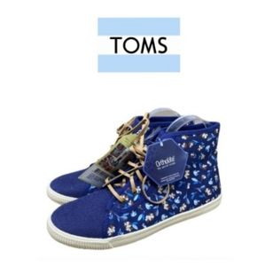 2×$40 Woman Toms Ortholite Shoes